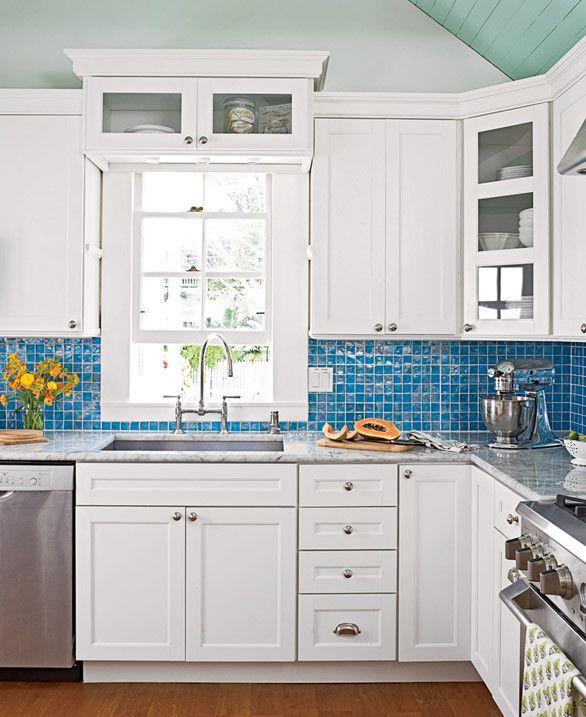 Coastal White Kitchen With Navy Blue Island: 25+ Best Ideas About Nautical Kitchen Backsplash On