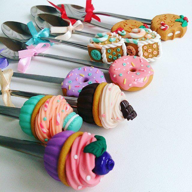Новые ложечки в #polkamarketkzn  ждут вас  ________________________ Все ложечки в группе Вк по альбомам,активная ссылка в профиле ⬆ здесь ➡ #lerasandrovna_crafts #spoon #kitchen #cucina #kitchenwear #handmade #polymerclay #worldbestideas #icecream #cake #cupcakes #вкусныеложечки #ложечки #праздник #дети #торт #подарки #свадьба #идеи #мороженое #ручнаяработа #Казань #рукоделие #творчество #полимернаяглина #фигурки #лепнина