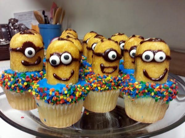 Despicable Me: Minion Cupcakes. Too cool to eat