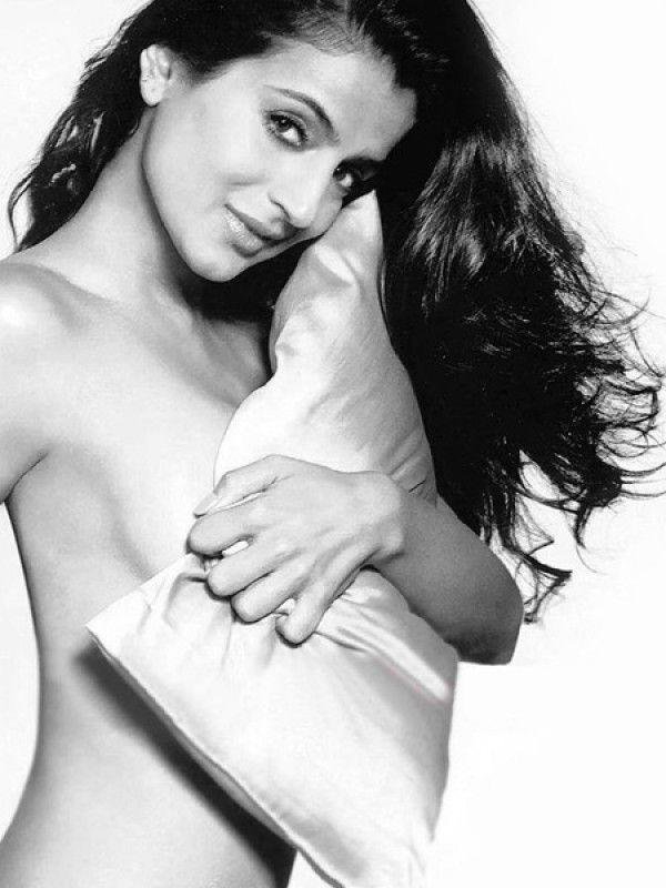Bollywood Actresses Bold & Dirty Acts !! ~ Bollywood Glitz 24 - Hot Bollywood Actress