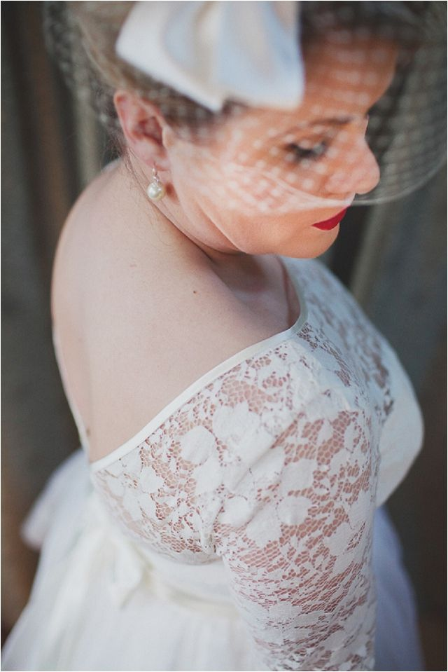 Vintage Wedding Dresses For Girls With Curves: Flaunt It   Fur Coat No Knickers - Want That Wedding
