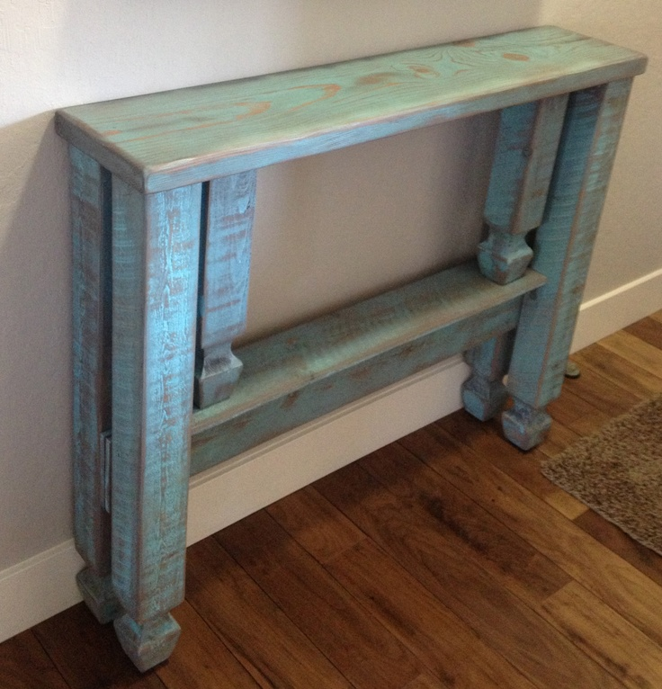 We made a narrow entryway table and distressed it to match Table entree design