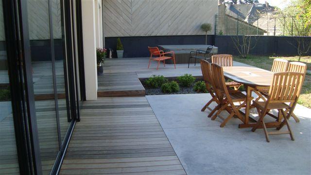 photo terrasse bois et pierre