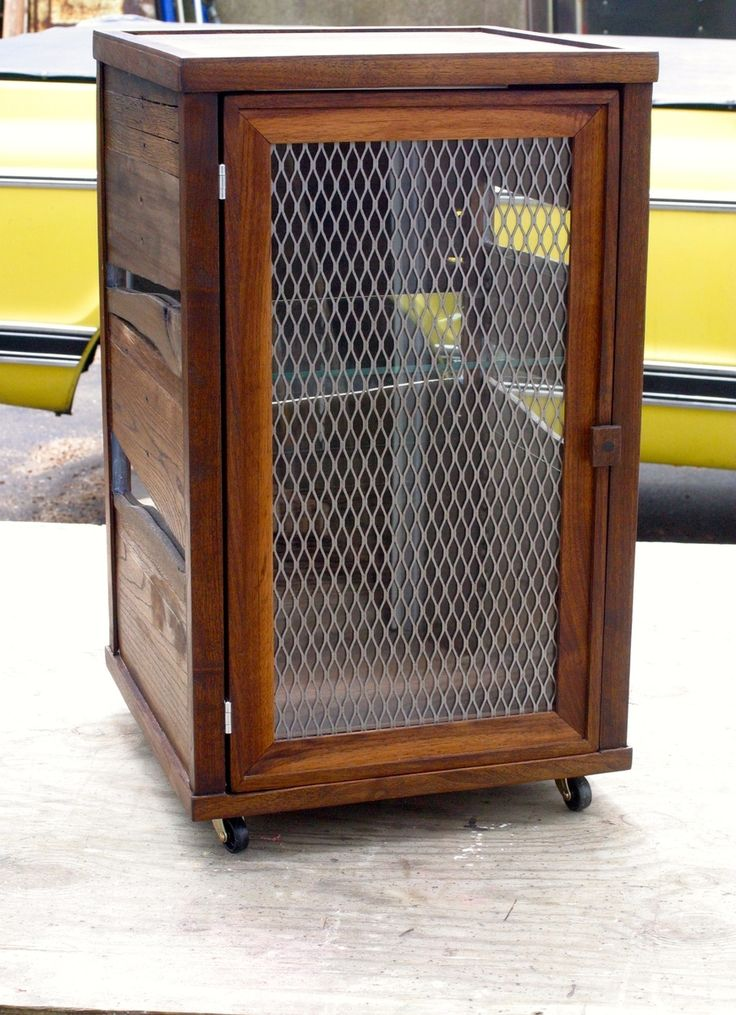 1016 best images about pallet things on pinterest pallet - Custom display cabinets ...