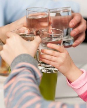 Jak to jest z wodą i dietami? - http://tvnmeteoactive.tvn24.pl/dieta,3016/jak-to-jest-z-woda-i-dietami,190858,0.html