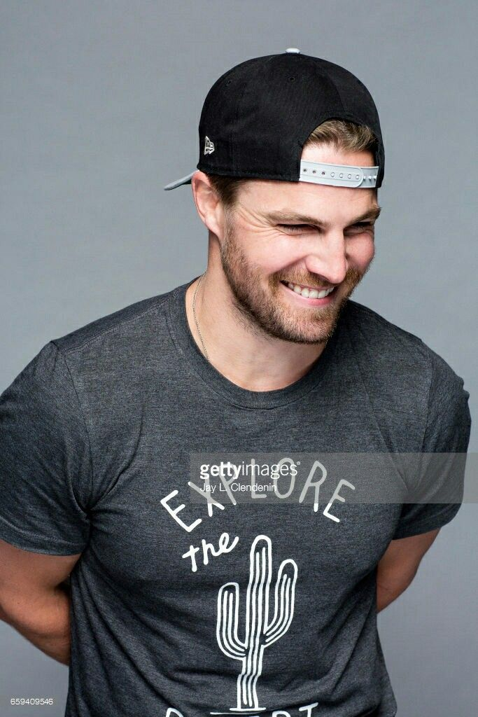 Happy Birthday Stephen Amell !!!!