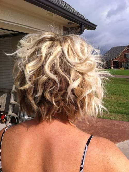 haircut for oval shape best 25 curly inverted bob ideas on curled 3468