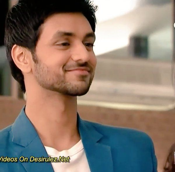 @shaktiarora wowwww!!!!!!Shâktî Arora has AMAZING SMILEHOW CUTĘ HE LUKSwanna kiss uuuu