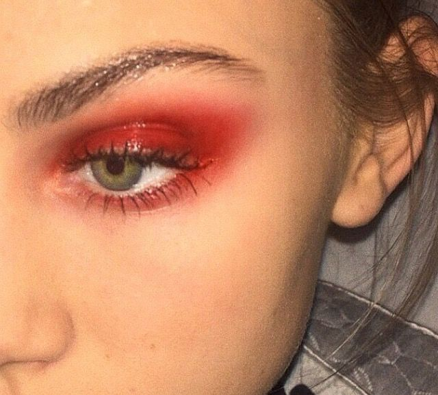 Red glossy makeup 🌶