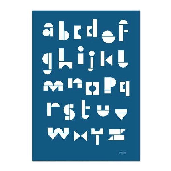 <p>Affiche ABC bleu imprimée avec le fameux alphabet de Snug Studio comme composé avec des jouets en bois, design Snug Studio. Pour décorer une chambre d'enfant ou un bureau ! On aime ce graphisme net et design et depuis toujours on aime les alphabets !</p>