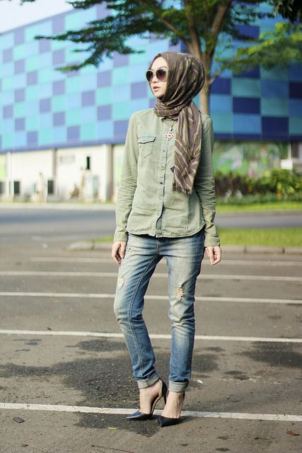 _MG_6400 by indahnadapuspita, via Flickr Ripped denim jeans Casual top Pointed heels Hijabi fashion