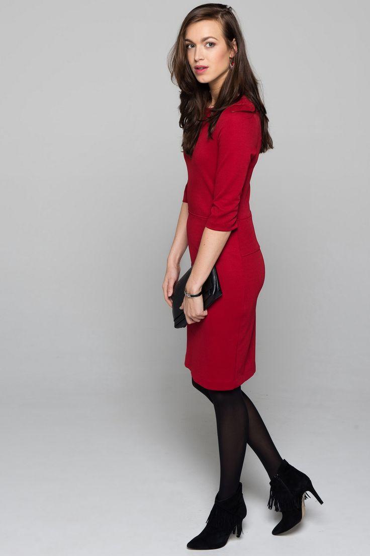 #EsQualo chique jurk #fashion #colortrends #trends #pantone #Aurorared #red