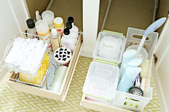 AD-Brilliant-DIY-Storage-And-Organization-Hacks-For-Small-Bathrooms-04