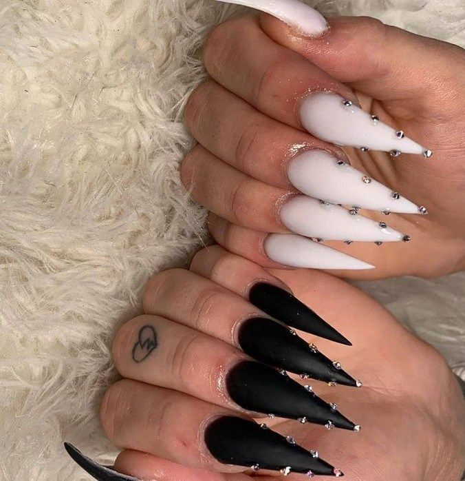 50 Matte Black Coffin Nail Ideas Trend This Year Coffinnail Nailarts Blackcoffin Tristar Acrylic Nails Stiletto White Stiletto Nails Black Stiletto Nails