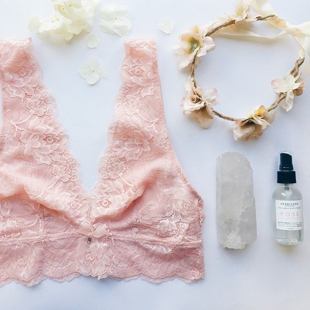 nude lace//
