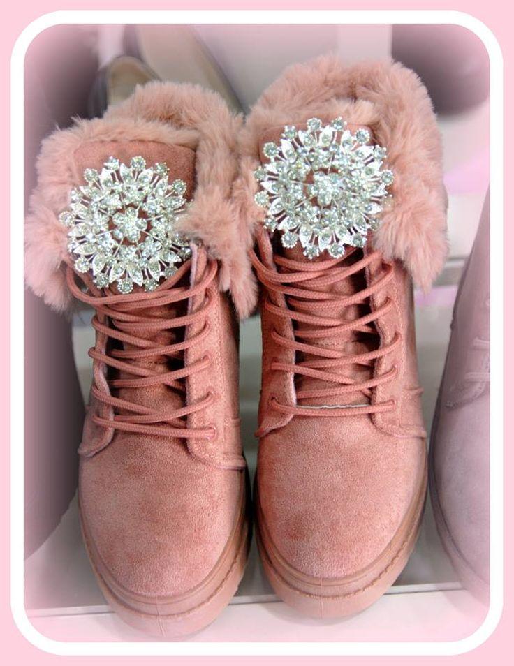 χειροποιητα μποτακια με εσωτερικη φιαπα,εσωτερικη επενδυση γουνας και αριστης ποιοτητας κρυσταλλα στολισμενο σε χρωματα μαυρο,σομον και γκρι νουμερα 36-41 τιμη 45ε #fashionista #storiesforqueens #handmadecollection #handmade #fashion #μοδα #lovemyboots