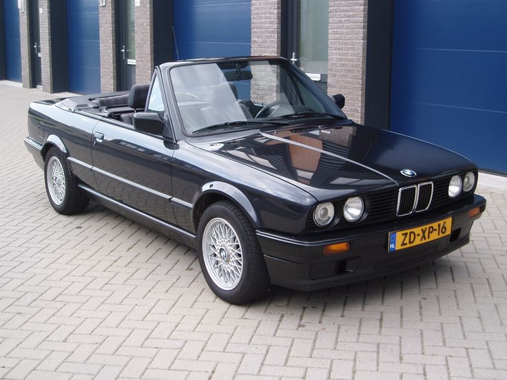 Bmw E30 Cabriolet, stock. Still looking really good!