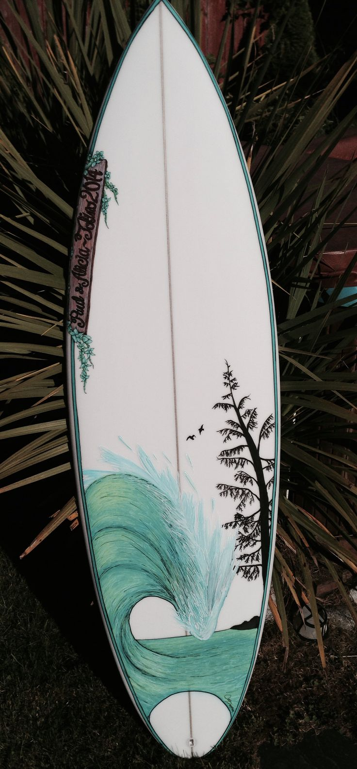 Travel to Lapoint Surf Camp Ericeira and get a taste of this fisherman's village on the Atlantic coast, home to world class waves and great people. Surfboard Painting, Surfboard Art, Surfboard Shapes, Art Football, Football Boots, Football Players, Tenacious D, Skateboard Art, Summer Surf