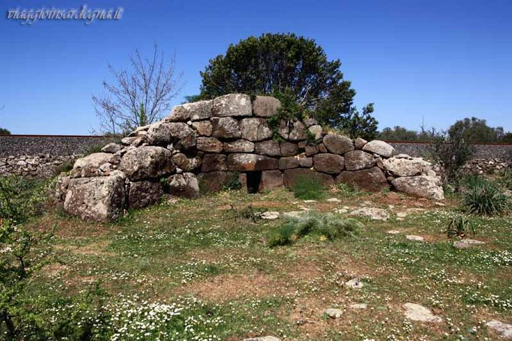 paulilatino, tomba di giganti mura cuada