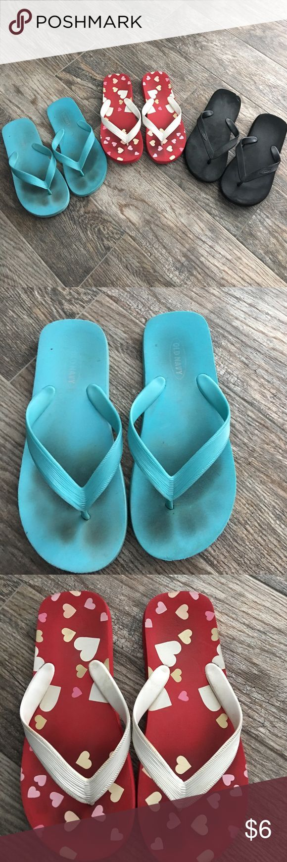 Old navy flip flops ⭐️final price⭐️3 pairs old navy flip flops. Black, blue and red with hearts. All gently used clean smokefree home Old Navy Shoes Sandals