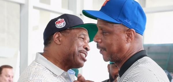 Darryl Strawberry and Gary Sheffield were among several MLB legends to hand over a $200,000 check to the Jackie Robinson Foundation.