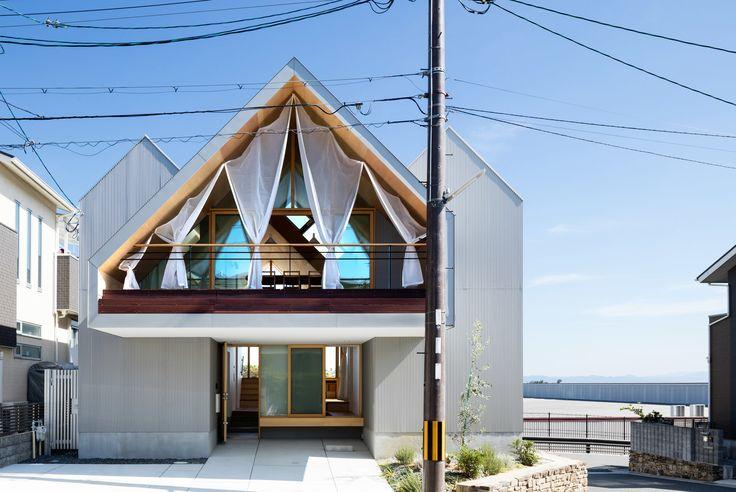 Hiroto Kawaguchi and Kohei Yukawa: Newtown House — Thisispaper — What we save, saves us.