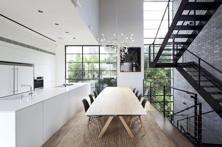 Tel Aviv Townhouse / Pitsou Kedem Architects- Love this kitchen.