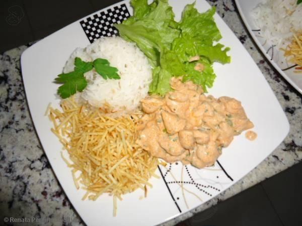 Receita de Estrogonofe de frango simples - Tudo Gostoso  http://tudogostoso.me/r41954