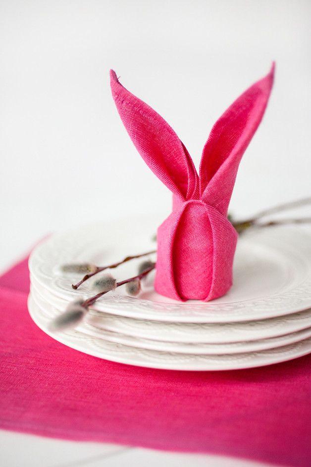 Pinke Serviette aus Leinen perfekt für das Frühstück an Ostern / pink napkin for easter breakfast made by Linen Home Shop via DaWanda.com