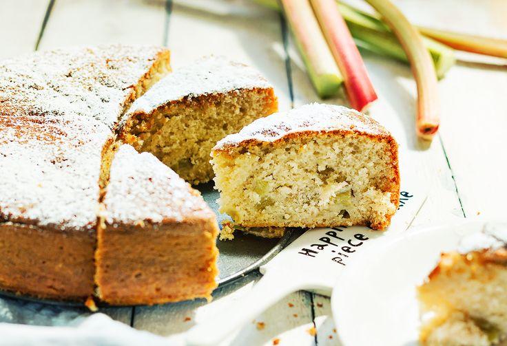 ciasto z rabarbarem i kardamonem...jak upiec rabarbarowe ciasto...kruche z rabarbarem...przepis na ciasto z rabarbarem...ciasto ucierane z rabarbarem