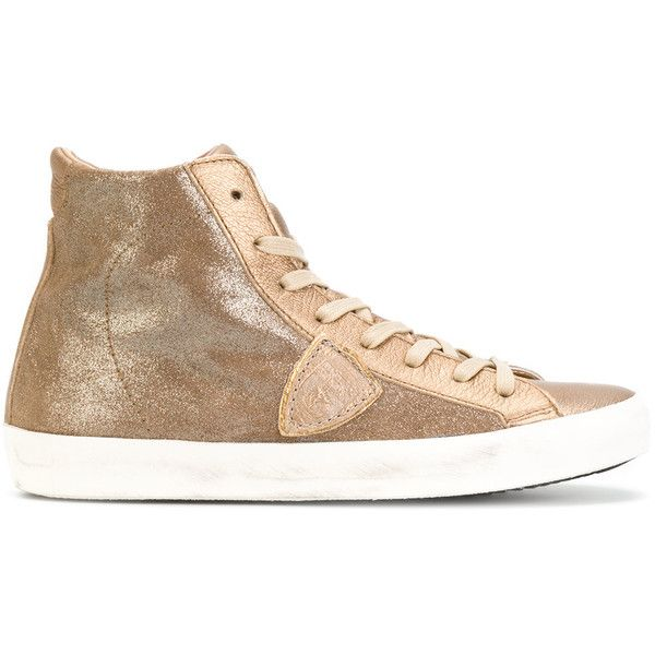 Philippe Model lace-up metallic sneakers (€265) ❤ liked on Polyvore featuring shoes, sneakers, grey, laced up shoes, metallic leather shoes, grey shoes, lacing sneakers and grey leather sneakers