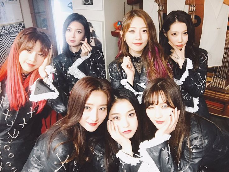 DREAMCATCHER - Yoohyeon + Dami + SuA + Gahyeon + JiU + Siyeon + Handong