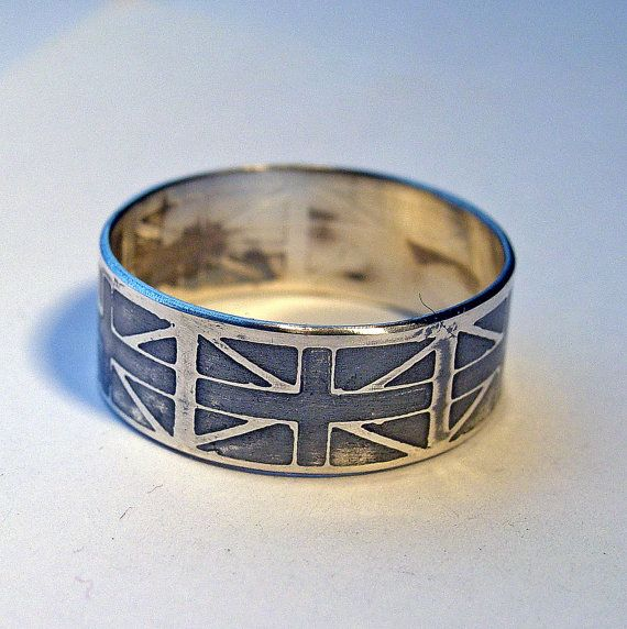 Union Jack ring--I would love to have this.