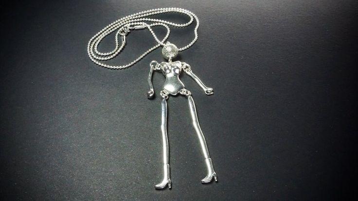 Lilchick necklace by Skitsanos.
