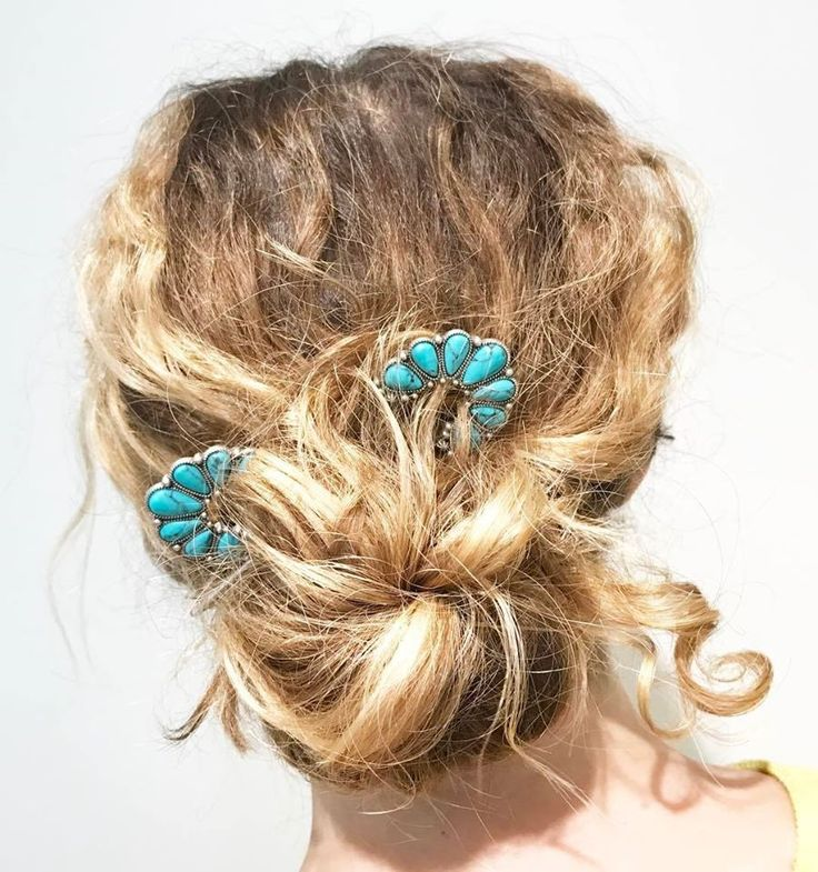 Styled messy pony with turquoise pins from Chloe + Isabel. Beach hair don't care. Boho tresses. Long curly hair dos. Jen Atkin collection. Hair jewelry.