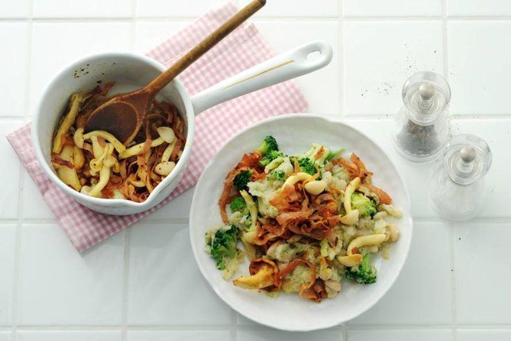Kijk wat een lekker recept ik heb gevonden op Allerhande! Broccolistamppot met knolselderij en witte bonen