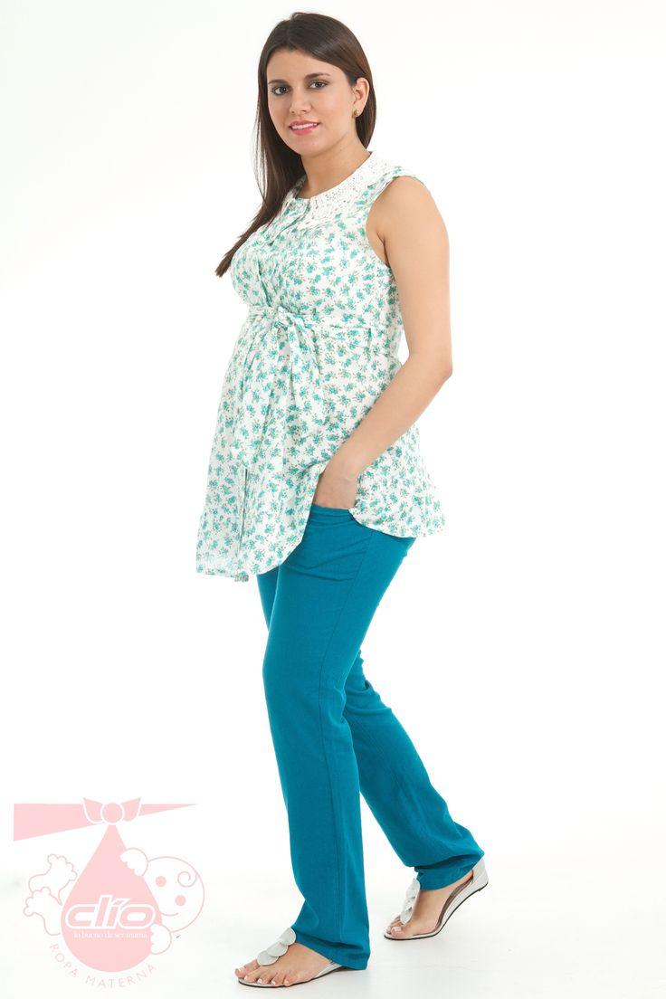 Pantalón materno en lino, una tela fresca y cómoda para ir al trabajo durante tu embarazo.