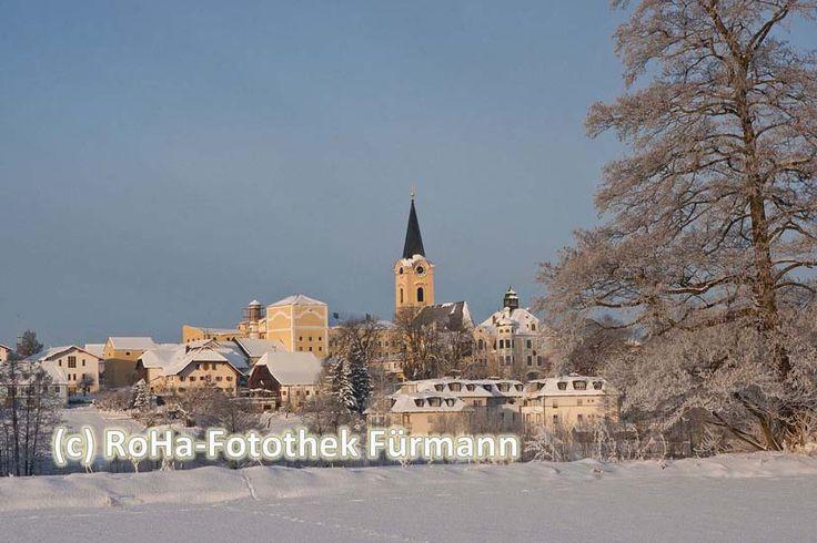 Winter in Teisendorf - klirrende Kälte - strahlende Sonne - glitzernder Schnee - was wünschen wir uns mehr für den kommenden Winter in Teisendorf