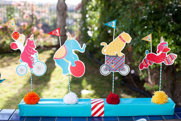 FREE Printables for a Birthday Parade by Jennifer Sbranti of Hostess with the Mostess.