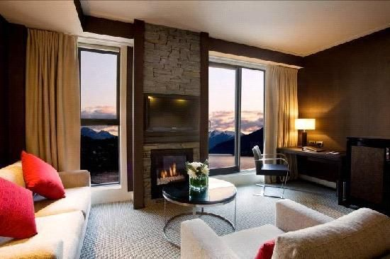 Had the best weekend away at the Hilton in Queenstown. One of the most amazing rooms I've stayed in & I've had my fair share of hotel rooms. Take me back!!