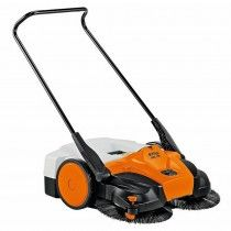 Stihl 77cm Sweeper with MultiClean Plus Sweeping System with battery powered brushes