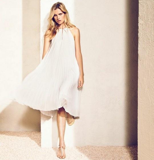 vestido plisado blanco largo Massimo Dutti Lookbook Junio 2012