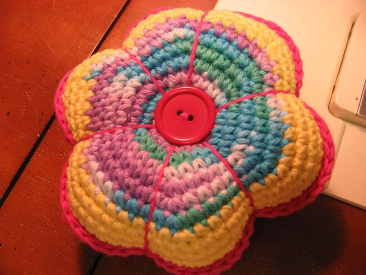 Crochet Flower Cushion Pattern Free : Crocheted Flower Pin Cushion: free #crochet pattern ...