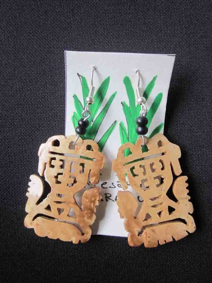 Accessories : Carved Earring