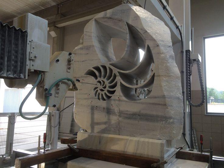 #Breton FUEGO MULTIAXIS of Kienesberger Naturstein while is realizing a amazing #nautilus