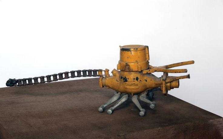 Akrep (1974)Asamblaj, metal,20 x 60 x 21 cmJosé Sancho Vakfı Koleksiyonu----- #JoseSanchoScorpion (1974)Assemblage, metal,20 x 60 x 21 cmJosé Sancho Foundation Collection