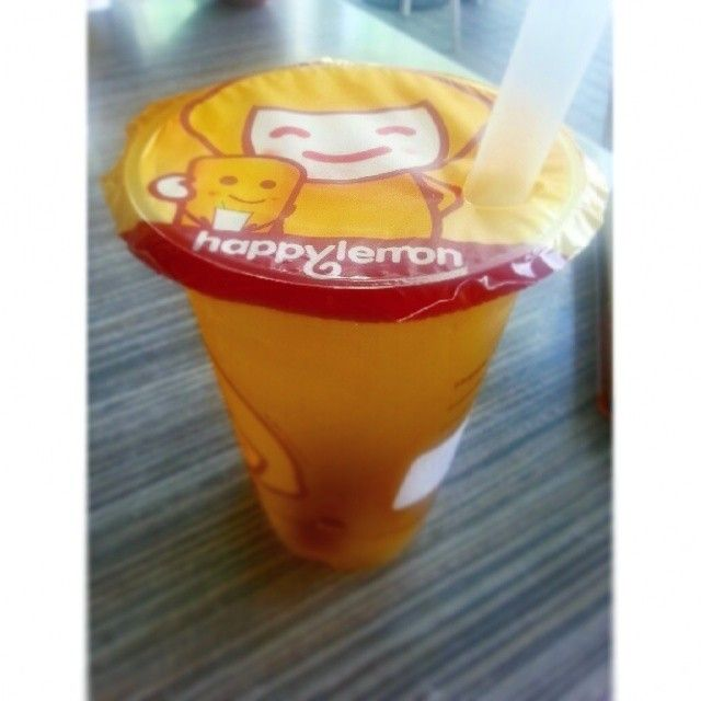 My new favorite #refreshing #drink - Osmanthus Lychee Green Tea from #Happylemon . Perfect for Green Tea and Lychee fanatics like me :) #manila #philippines #tea #greentea #lychee #osmanthus #beverage