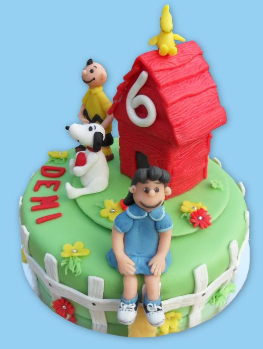 Snoopy peanuts cake