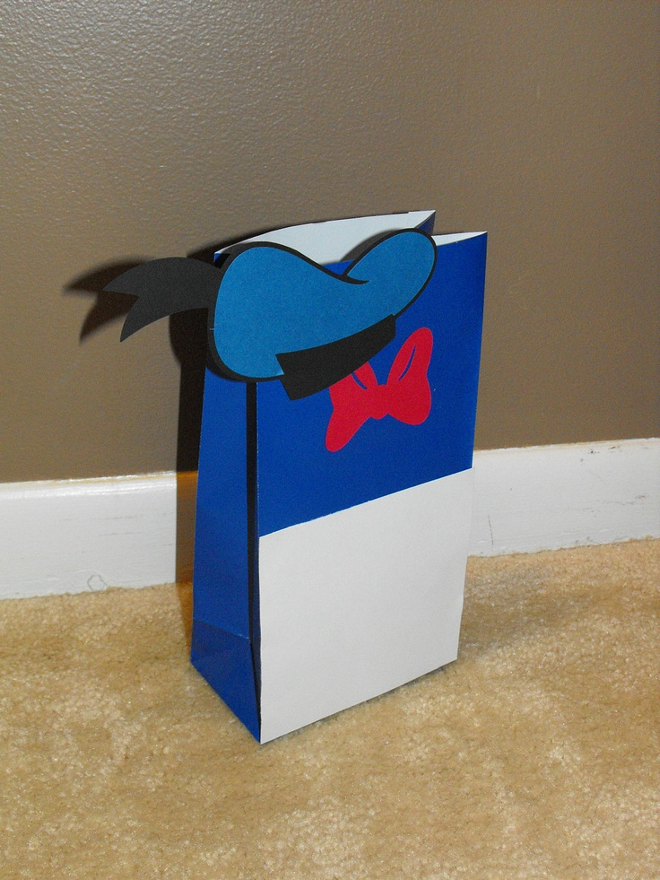 Donald Duck Party Favor Bags, Donald Duck Treat Bags. $14.00, via Etsy.
