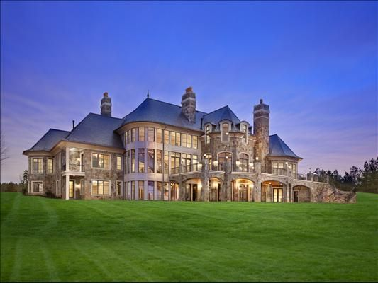 Best 25 huge mansions ideas on pinterest huge houses for Large luxury homes